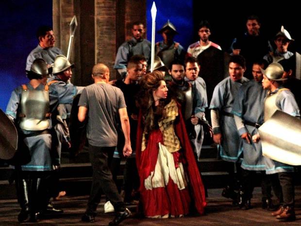 """""""'O trovador"""" é a segunda obra do XII Festival de Ópera do Theatro da Paz (Foto: Divulgação / Luciana Medeiros)"""