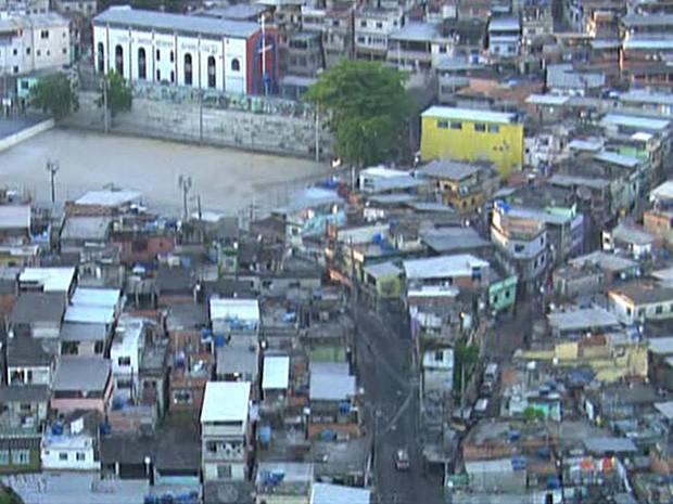 Bope é chamado para reforçar segurança no Complexo da Penha após ataques. (Foto: Reprodução/TV Globo)