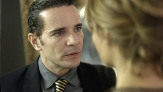 Vitor explode com Alice e diz que não abrirá mão de Lucas