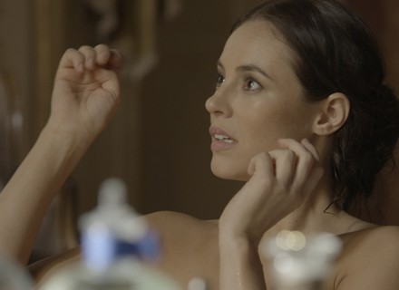 Anita conta segredo de Lívia para Melissa