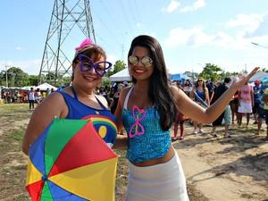 A gerente de marketing, Ana Claudia, é de Recife e levou a filha para curtir a Banda do Galo (Foto: Indiara Bessa/G1 AM)