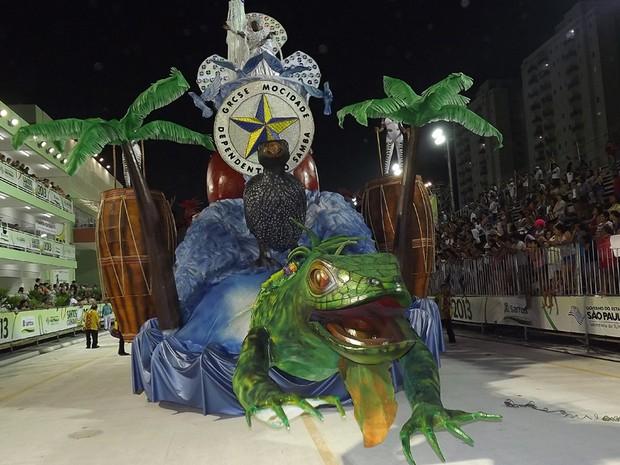 Carro abre-alas da Mocidade Dependente do Samba. (Foto: Ivair Vieira Jr)