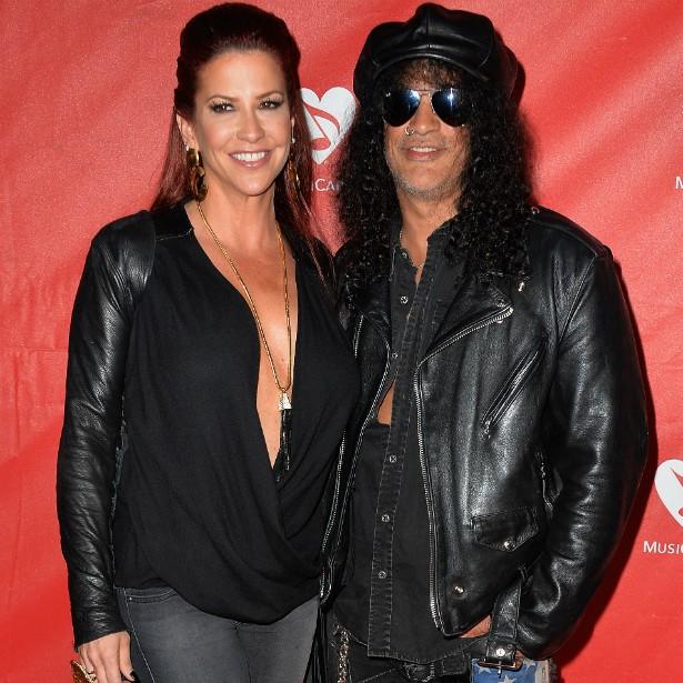 Perla Ferrar é casada desde outubro de 2001 com o guitarrista Slash (ex-Guns N' Roses) e tem dois filhos com ele. (Foto: Getty Images)