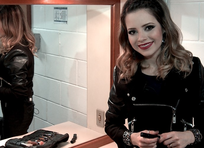 Sandy mostra segredos para uma make arrasadora (Foto: Tv Globo/Gshow)
