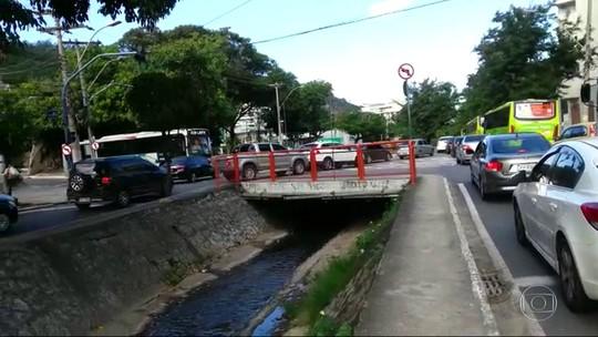 Moradores de Niterói reclamam de engarrafamentos no Túnel Charitas-Cafubá