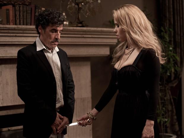 Paulo Betti e Leona Carvalho em uma das cenas do filme (Foto: Divulgação)
