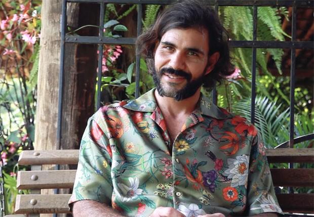 Juliano Cazarré tem medos e inspirações (Foto: Reprodução vídeo)