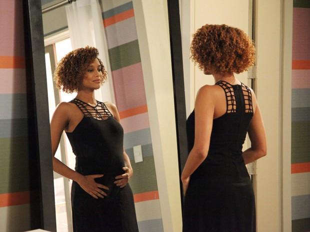 Taís curte uma gravidez sem grandes dramas, tal como foi na primeira vez (Foto: Carol Caminha/TV Globo)