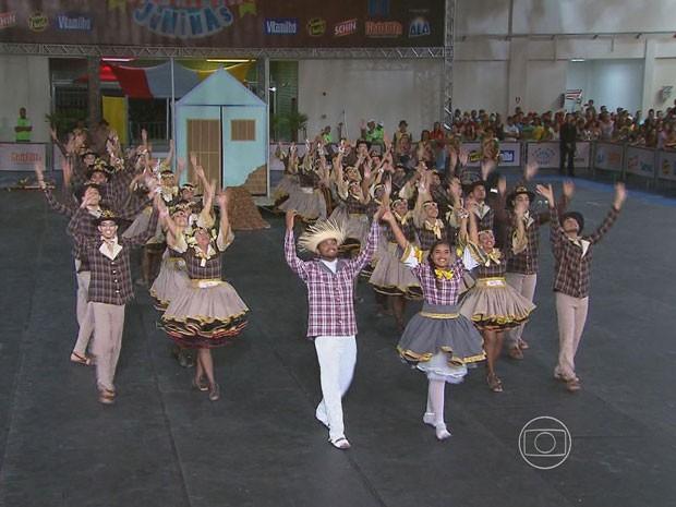 """Quadrilha Magia Matuta estreou no festival buscando inspiração na obra """"Os Sertões"""" (Foto: Reprodução / TV Globo)"""