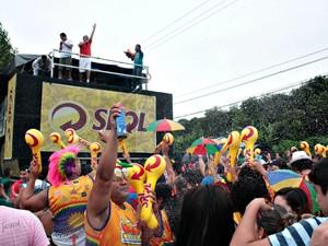 Bloco arrastou o público pela Avenida do Turismo, Zona Oeste de Manaus (Foto: Tiago Melo/ G1 AM)