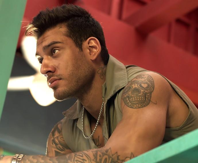 Uood se enrola e marca dois compromissos no mesmo dia (Foto: TV Globo)