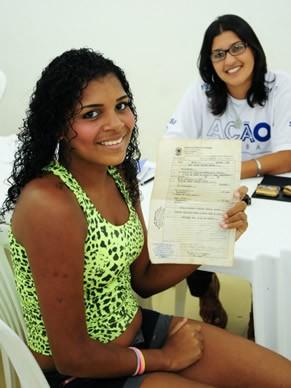 Ação Global: Vitória com certidão de nascimento (Foto: Divulgação TV Globo/ Kiko Cabral)