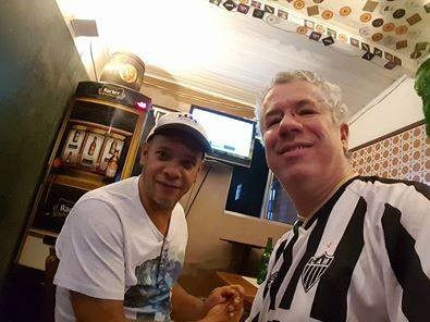 Vander Lee e eu, num bar em BH