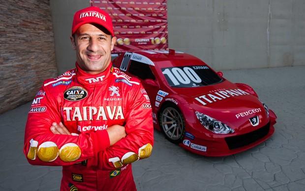 Campeão da Indy em 2004, Tony Kanaan estreia na Stock Car com a Bassani Racing (Foto: Divulgação)
