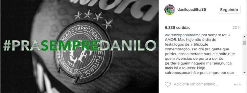Post de Leticia, viúva do goleiro Danilo, critica festividade (Foto: Reprodução)
