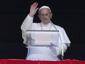 Papa Francisco durante oração na Praça São Pedro neste domingo (7) (Foto: Tony Gentile/Reuters)