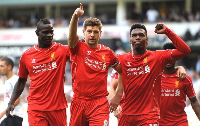 Steven Gerrard comemoração gol Liverpool contra Tottenham (Foto: AFP)