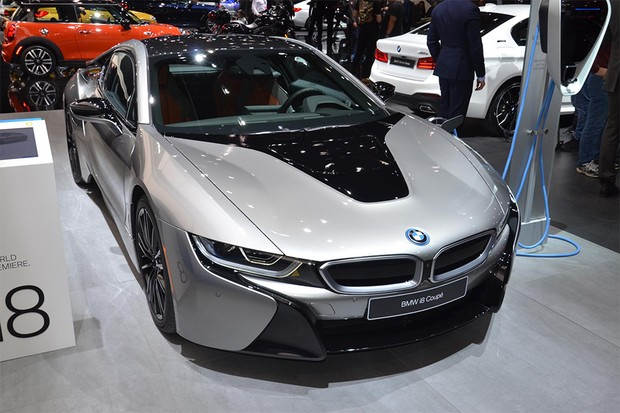 BMW i8 no Salão de Detroit 2018 (Foto: Newspress)