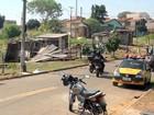 Prefeitura de Piracicaba derruba 13 barracos de invasão em área verde