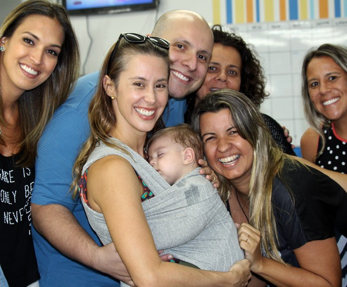 Dani Monteiro é paparicada pela equipe do Mais Você (Foto: Priscilla Massena/Gshow)