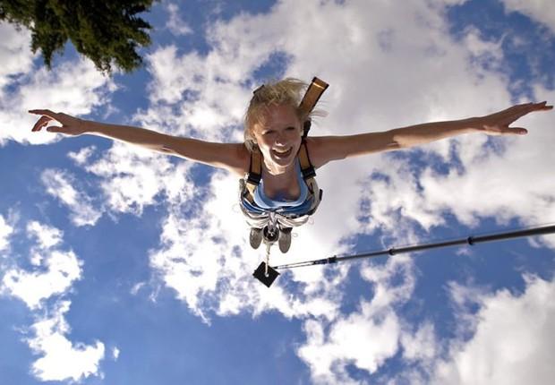 Bumgee jumping ; esportes radicais ; adrenalina ;  (Foto: Reprodução/Facebook)