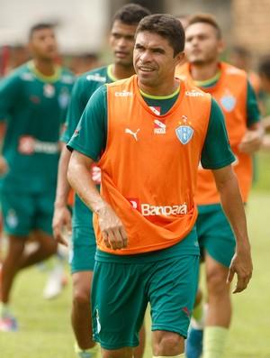Vanderson durante treino do Paysandu (Foto: Marcelo Seabra/O Liberal)