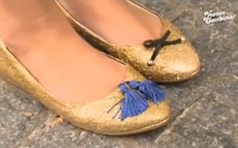 Sapatilha dourada com glitter: veja como fazer