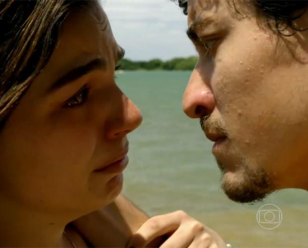 Ele também dividiu as cenas com Isis Valverde (Foto: TV Globo/Estevam Avellar)