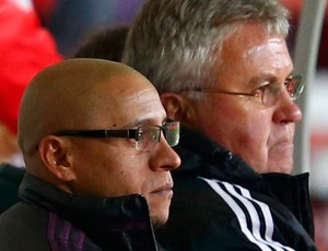 Roberto Carlos e Guus Hiddink Anzhi Makhachkala (Foto: Reuters)