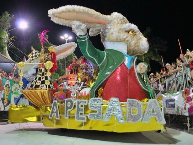 Carro abre-alas da escola A Pesada (Foto: Marcos Boaventura/prefeitura)