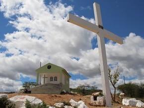 Cruzeiro Novo e capela  em Arcoverde, no Sertão de Pernambuco (Foto: Teresa Padilha/Assessoria)