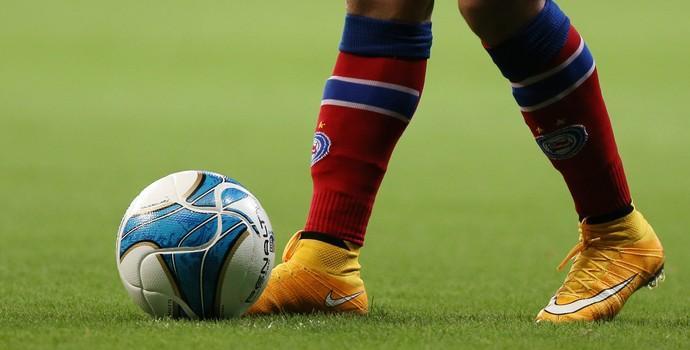 Bahia; bola no pé; bola em campo (Foto: Felipe Oliveira/Divulgação/EC Bahia)