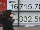 Bolsa de Tóquio fecha em queda de 3,7%