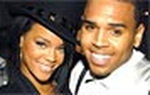 Rihanna desabafa sobre Chris Brown: 'Foi o amor da minha vida'