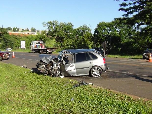 Acidente que matou duas pessoas foi na Rodovia José Pizarro em Monte Alto (Foto: Mariana di Madeu/Jornal O Imparcial Monte Alto)