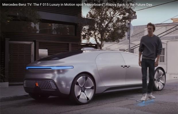 Vídeo da Mercedes-Benz com o skate de 'De volta para o futuro' (Foto: Reprodução)