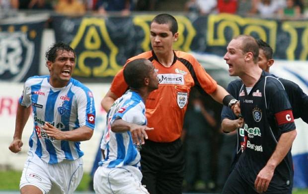 Árbitro Ricardo Marques Ribeiro (MG) já tem experiência em Re-Pa (Foto: Marcelo Seabra/O Liberal)