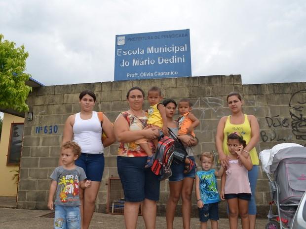 Mães pedem vaga no período integral em creches de Piracicaba (Foto: Fernanda Zanetti/G1)