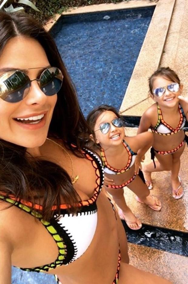 Natalia Guimarães e as filhas (Foto: Reprodução / Instagram)