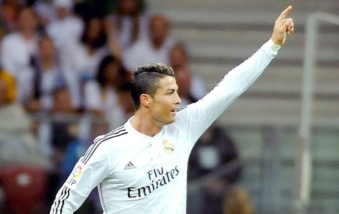 Cristiano Ronaldo comemoração gol Real Madrid x Fiorentina (Foto: EFE)