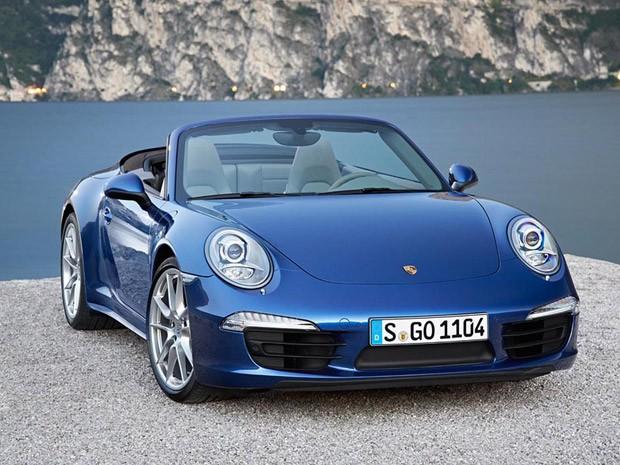 Porsche com tração integral tem motor 3.8 boxter de 354 cv para o Carrera 4 e de 405 cv para o Carrera 4S (Foto: Divulgação)