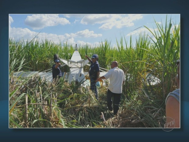 [Brasil] Piloto faz pouso de emergência em área rural de Itapira (SP) e aeronave tomba Pouso_itapira_1