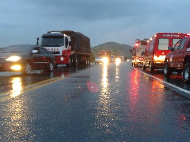 Acidente deixa dois mortos na BR-101, em Silva Jardim (Foto: Lucas Madureira / Arquivo pessoal)