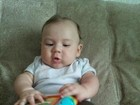 Fofo demais! Priscila Pires posta fotos do filho