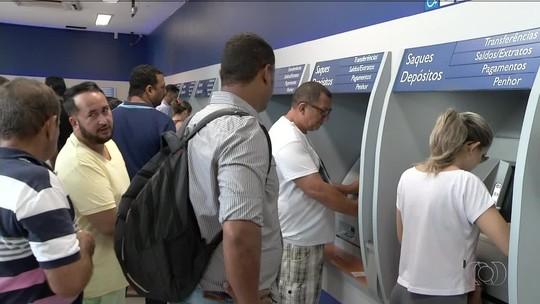 Agências da Caixa abrem neste sábado (10) para saques das contas inativas do FGTS