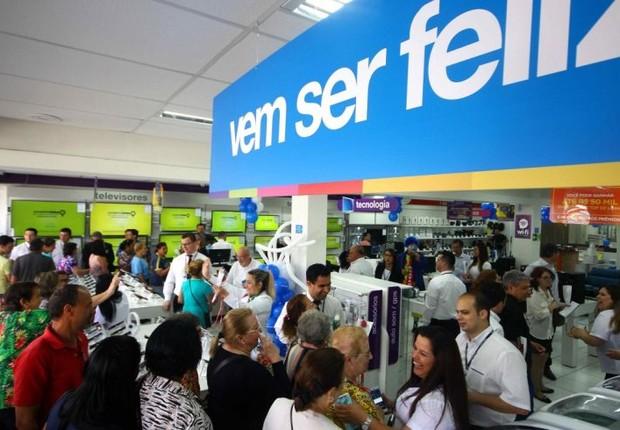 Inauguração de loja do Magazine Luiza na zona sul de Porto Alegre (Foto: Reprodução/Facebook)