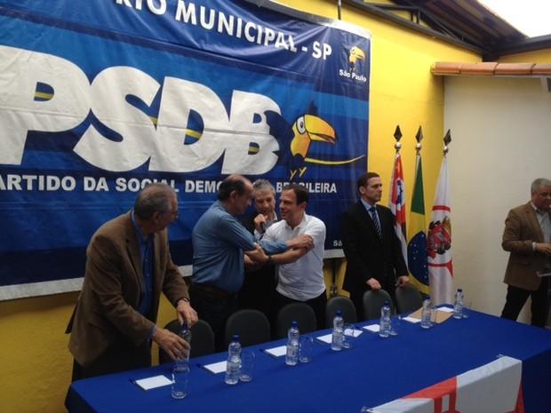 Ao lado de Sílvio Torres, Aloysio Nunes, Mário Covas Neto e Fernando Capez, João Dória lança pré-candidatura (Foto: Márcio Pinho/ G1)