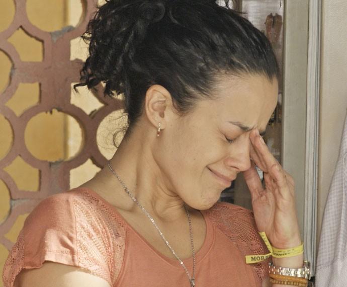 Domingas chora após ser humilhada por Juca (Foto: TV Globo)