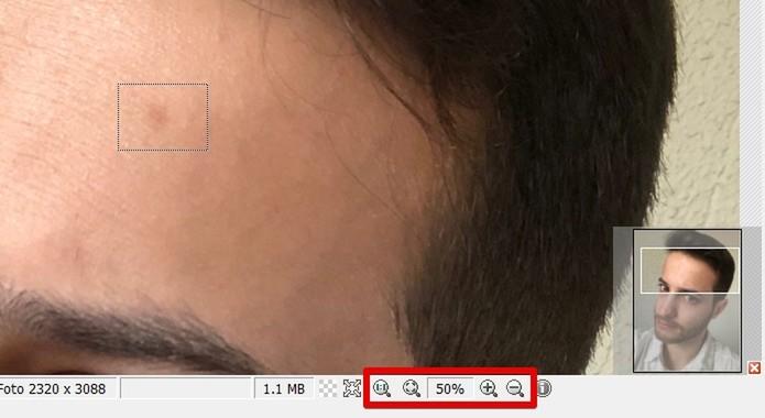 Removendo uma mancha da pele com o PhotoScape (Foto: Reprodução/Helito Bijora)