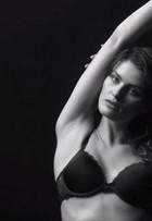 Isabelli Fontana, Kendall Jenner e mais tops sensualizam em campanha